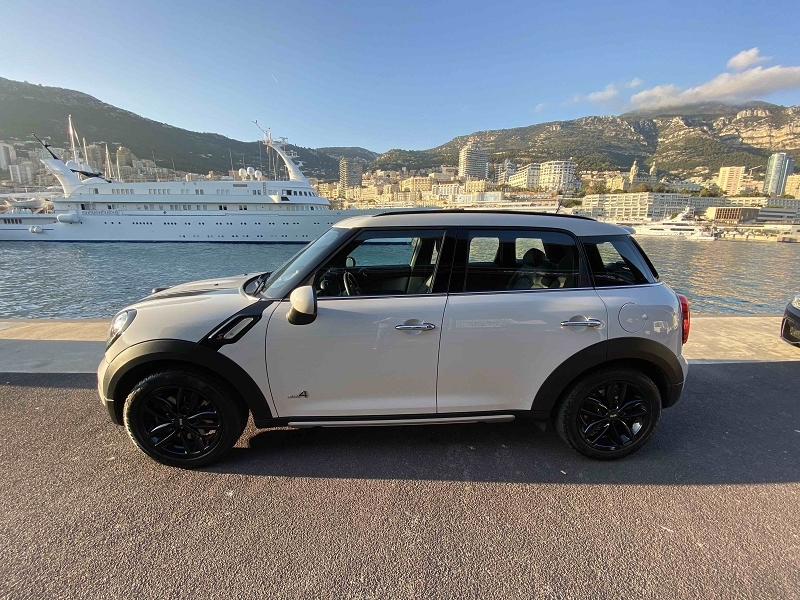 Photo 3 de l'offre de MINI COUNTRYMAN COOPER S 190CH PACK RED HOT CHILI ALL4 BVA à 27590€ chez Stars Monte Carlo