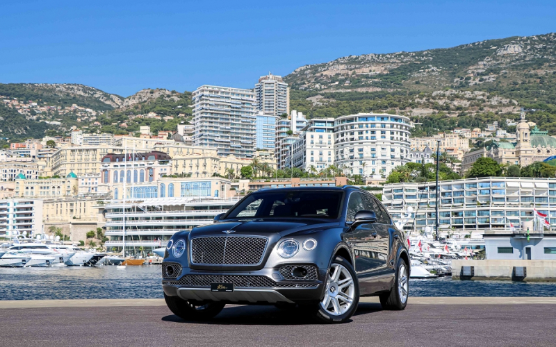 Bentley BENTAYGA 4.0 V8 550CH Essence GRIS Occasion à vendre